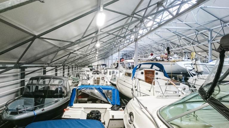 Venevarasto veneen talvisäilytys